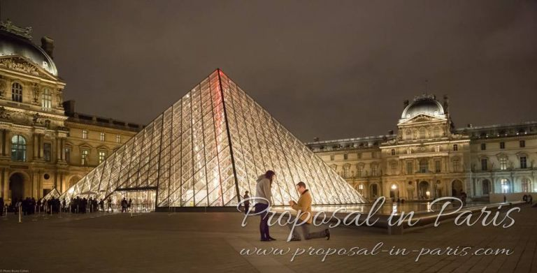proposal by the Louvre pyramid, Paris_4017