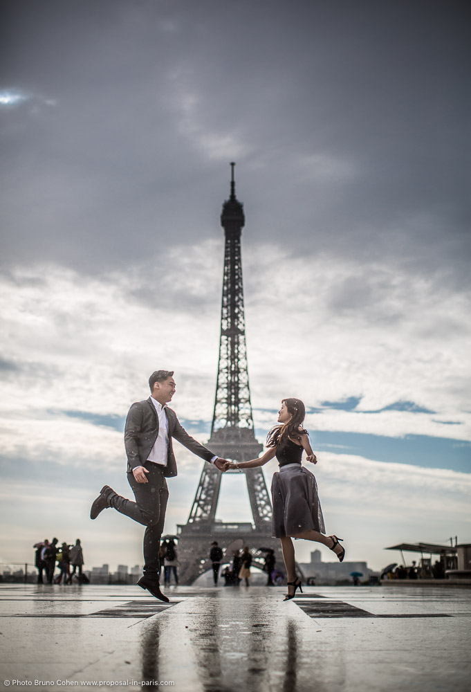 weilik joey a proposal morning at paris trocadero proposal in paris quality photographer. Black Bedroom Furniture Sets. Home Design Ideas