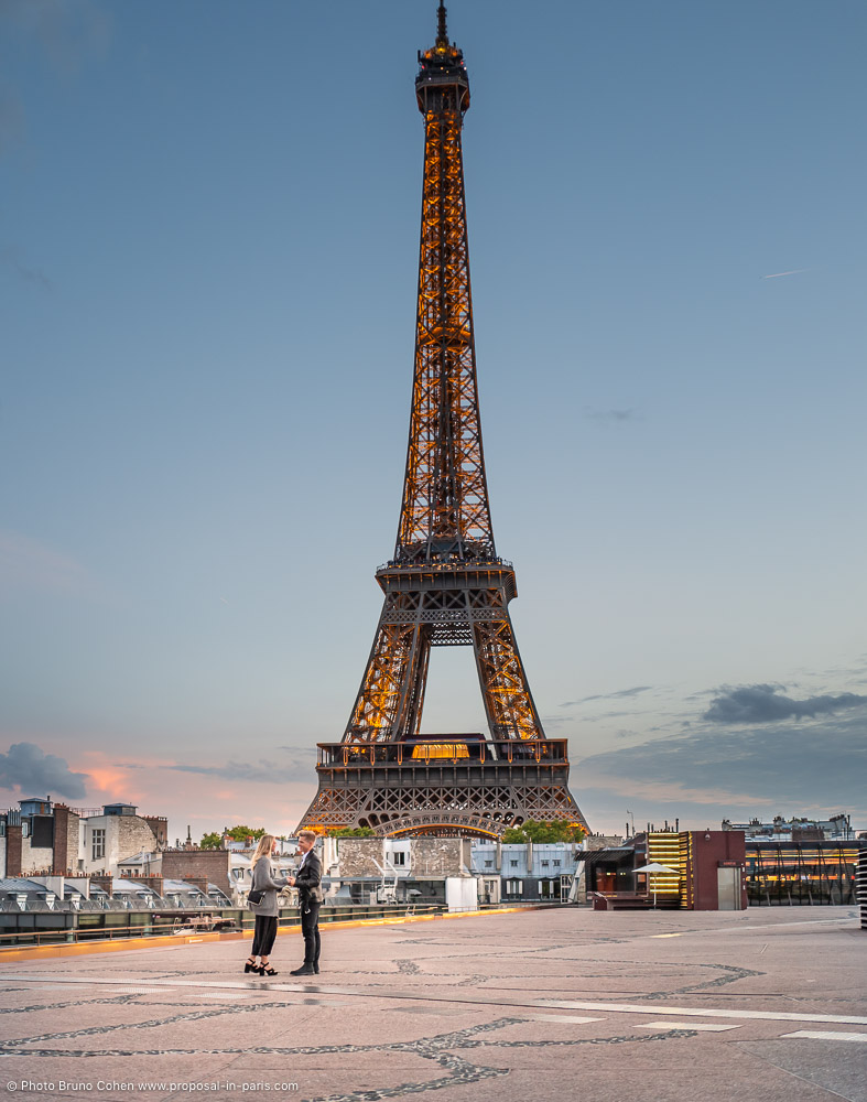 best proposal from rooftop in paris front of Eiffel Tower at sunset