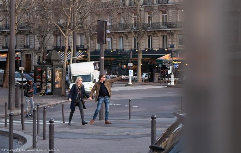 couple walk in paris